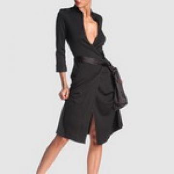 Rochia neagra mereu sexy si mereu la moda